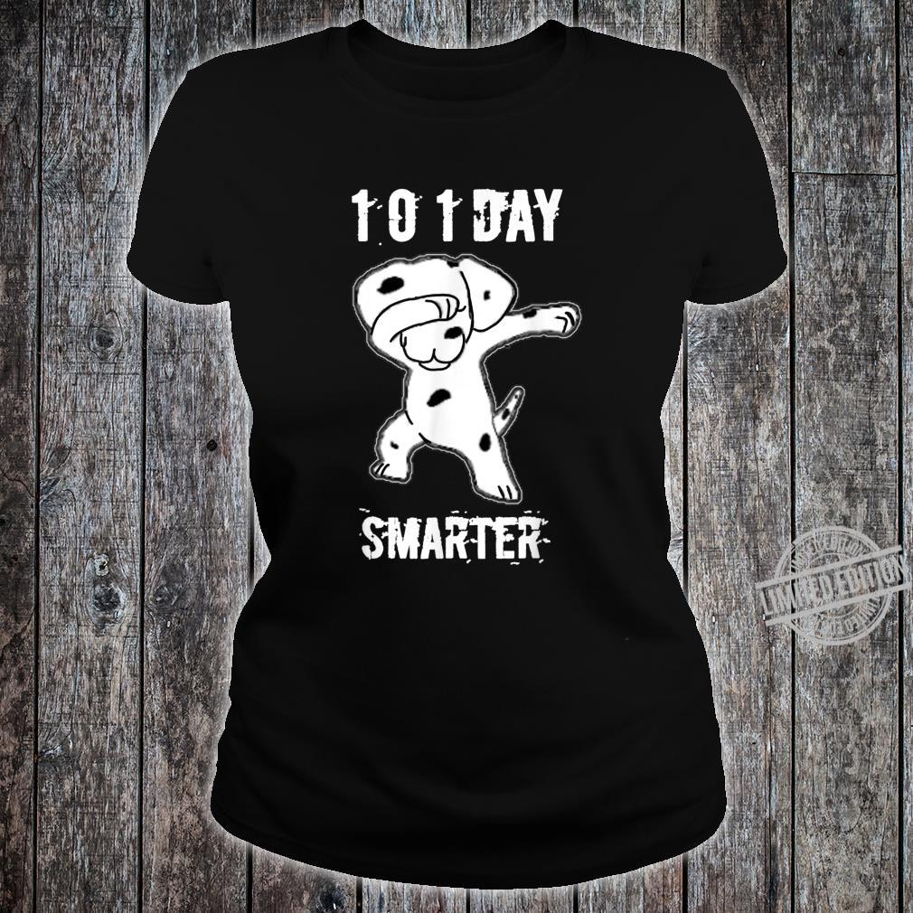 101 Days Smarter Dabbing dog Cute idea for Students Shirt ladies tee