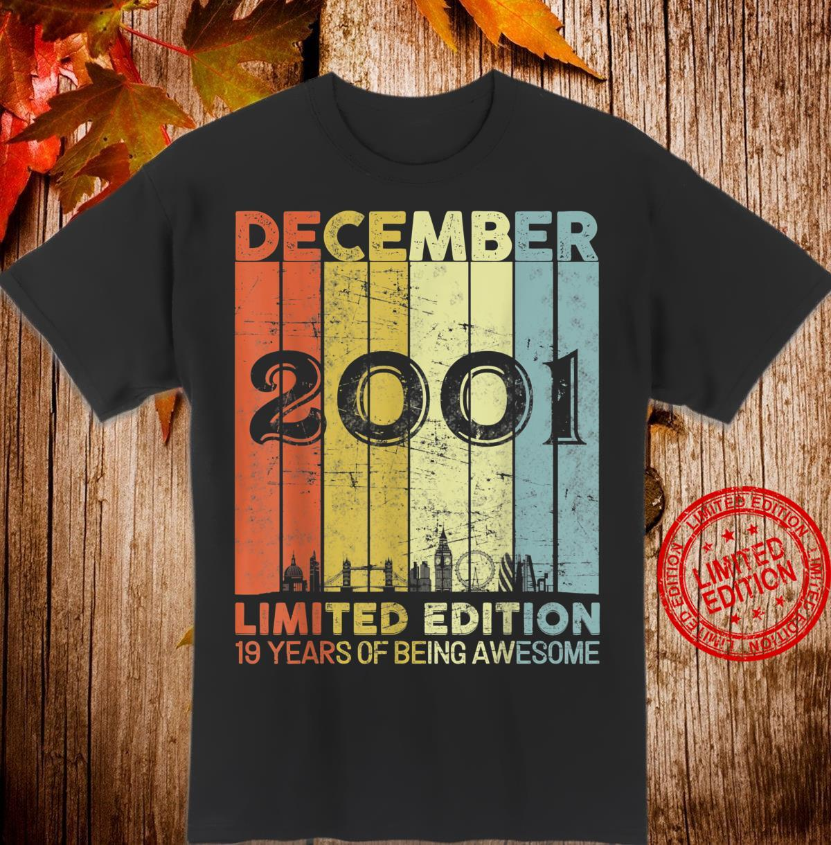 19. Geburtstag Geschenk Dezember 2001 Jungen Mädchen Design Shirt