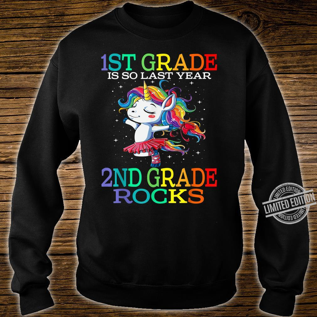 1st Grade Is So Last Year 2nd Grade Rocks Unicorn Shirt sweater