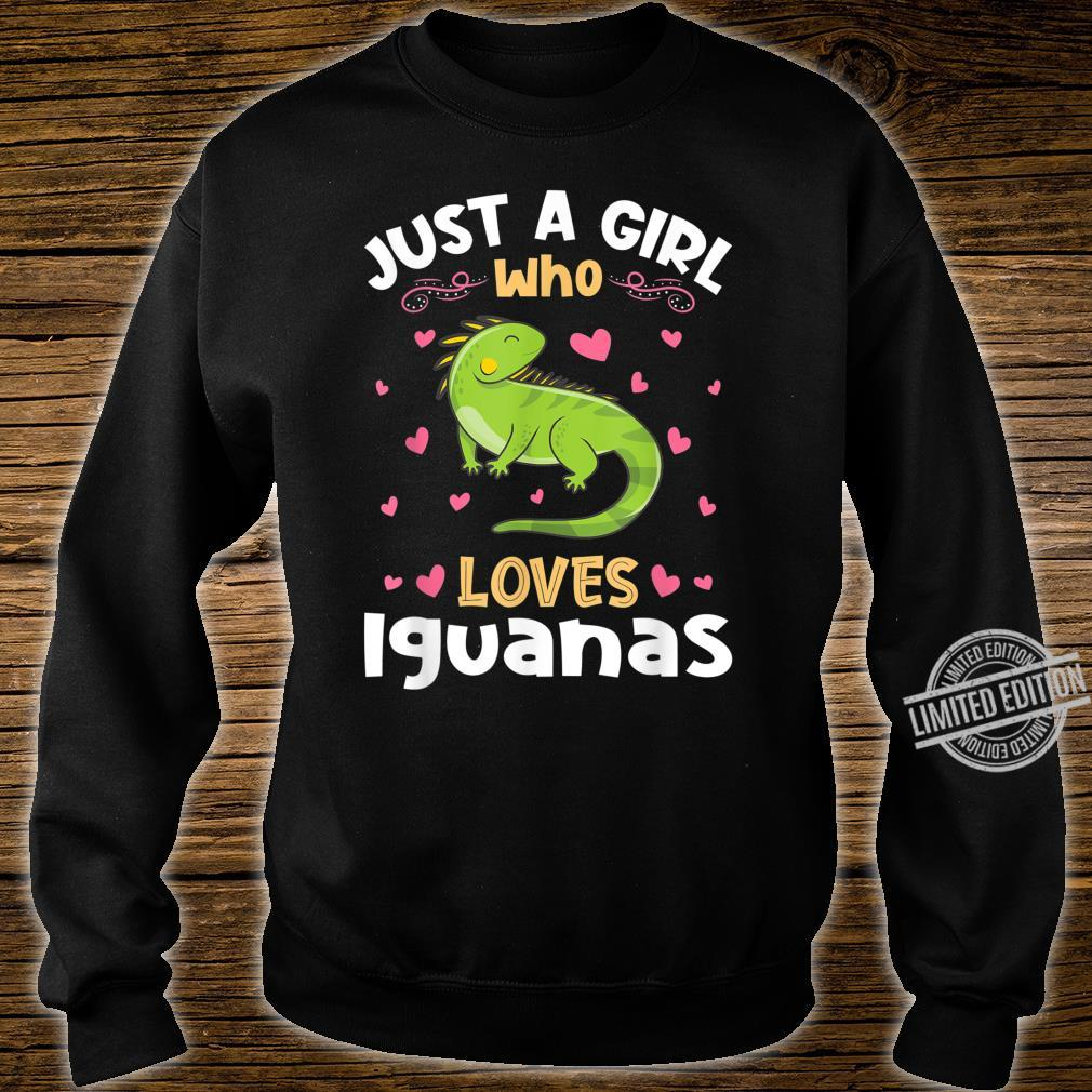 Just a Girl who loves Iguanas Shirt sweater