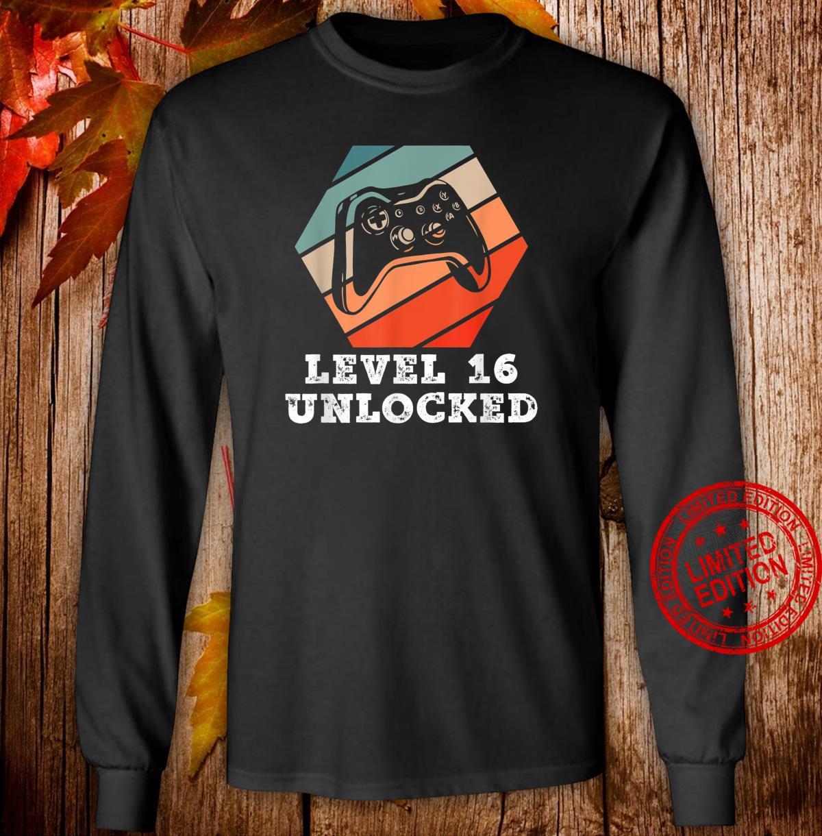 Level 16 Unlocked Retro Geburtstagsgeschenk für Gamer Boy Shirt long sleeved